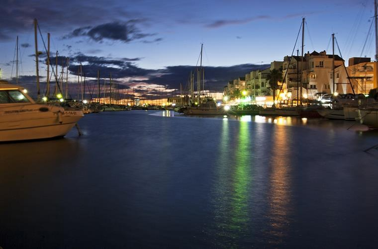 The centre of Almerimar is made by the marina