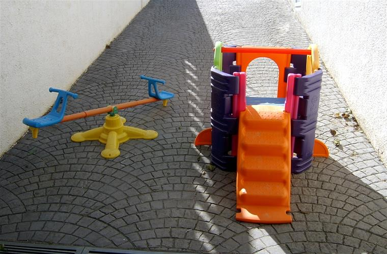 PLAYGROUND AVAILABLE FOR RENTERS