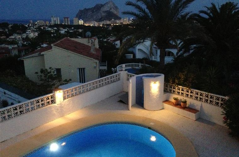 An evening overlooking the Calpe cliff