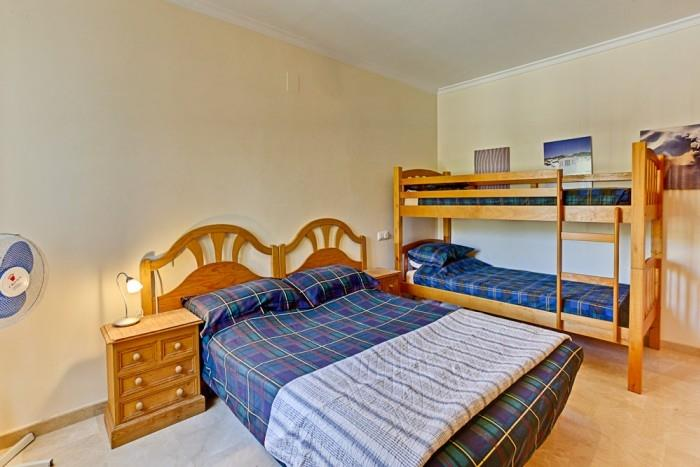 FAMILY ROOM WITH 1 DOUBLE BED AND A SET OF BUNKS