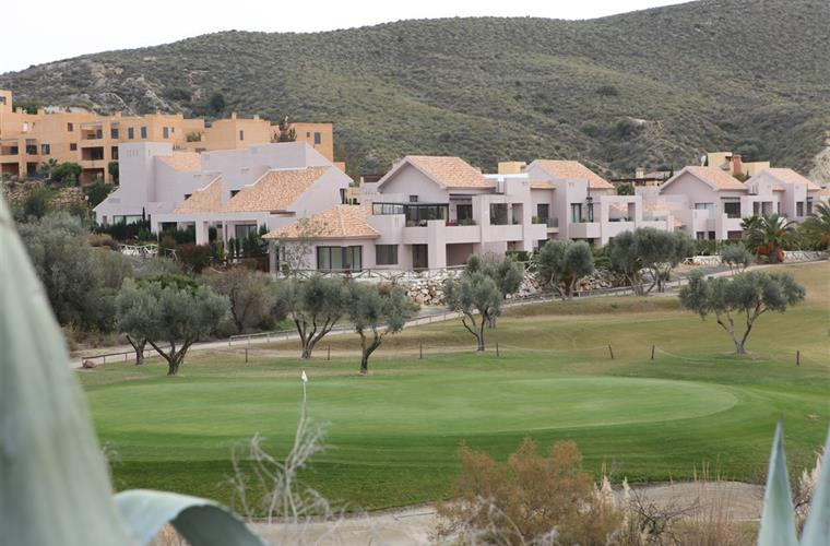 "Green 14 overlooking the residential complex ""Azahares"""