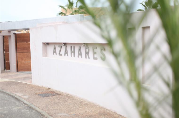 "Entrance condominium ""Azahares"""