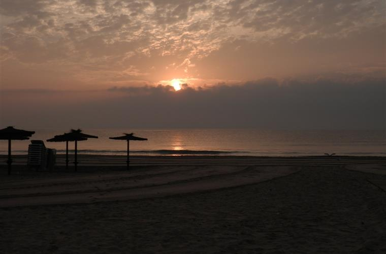 Sunrise at La Glea beach