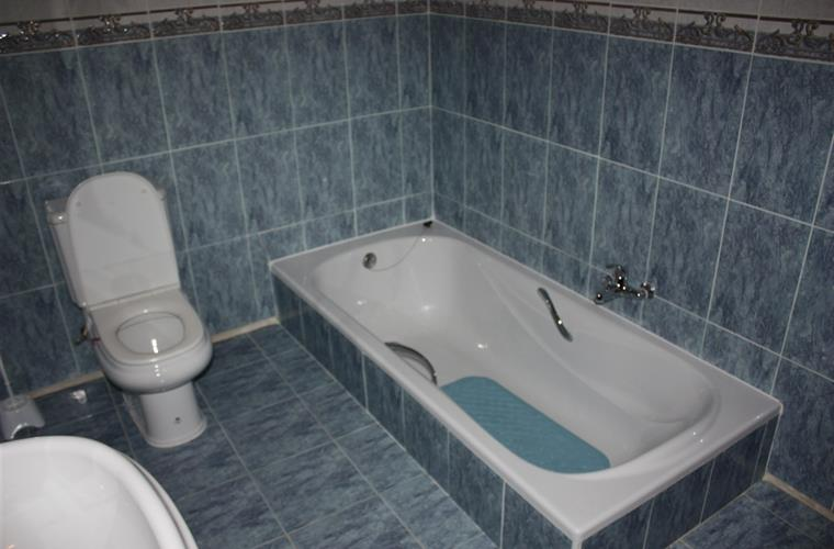 Bathroom with bathtube