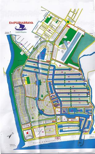 Groundplan Empuriabrava with canals.