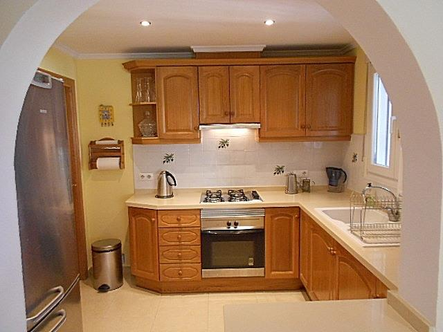 Fully equipped kitchen with quality appliances ,fittings and so on
