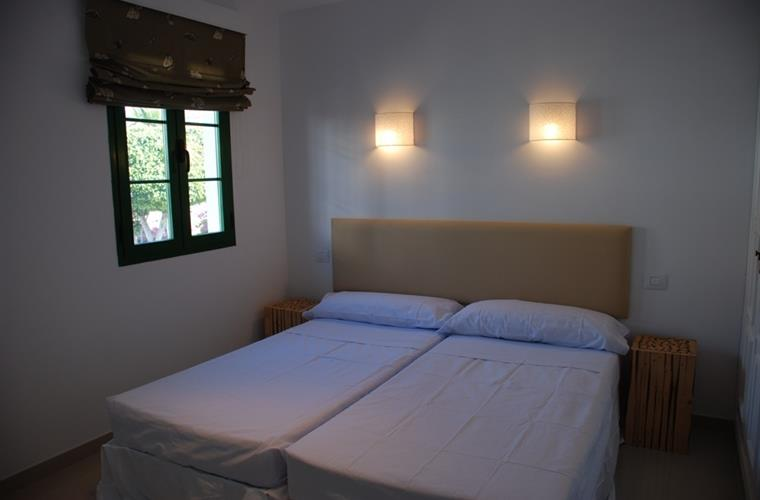 Holiday apartment for rent in puerto de mog n puerto de for Apartment terrace furniture