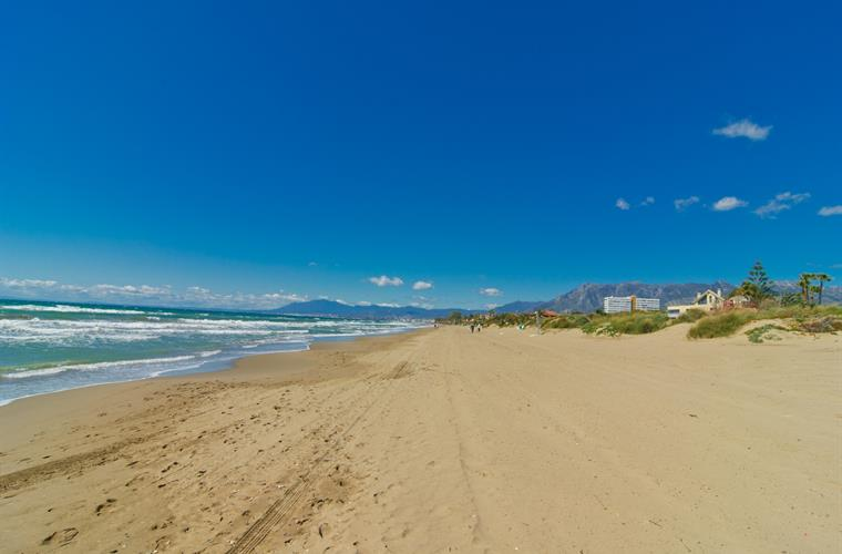 Playa el Alicate beach at 200m from villa