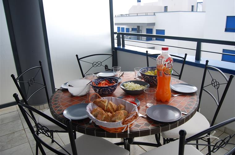 Balcony dining place