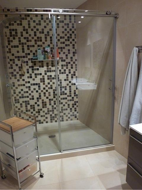 Ensuite Bathroom:double shower