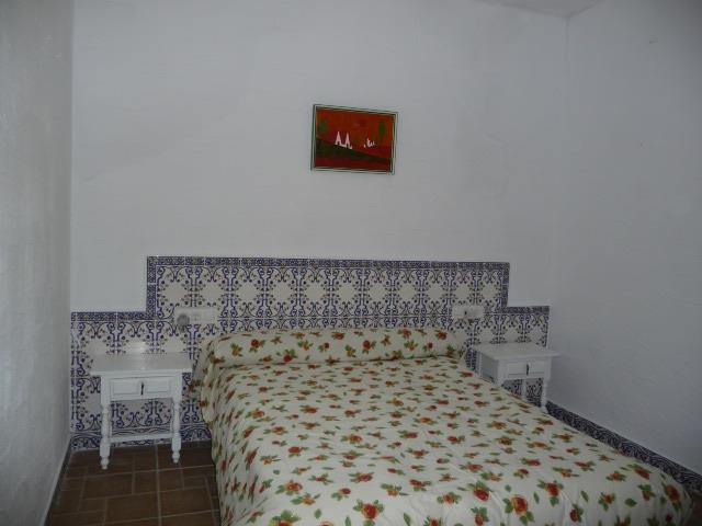 Comfortable 3 bedrooms Andalusian style all with windows