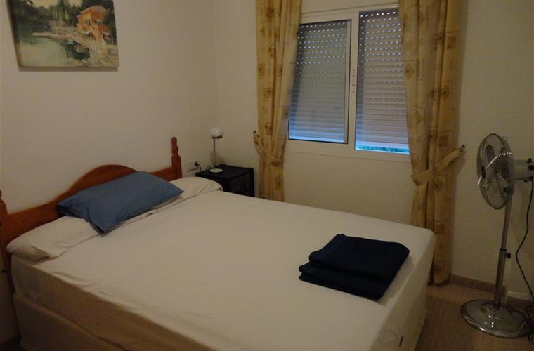 Main bedroom with good quality double bed