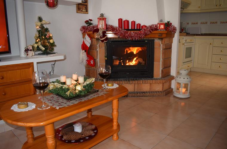 enjoy the winter nigths next to this fireplace