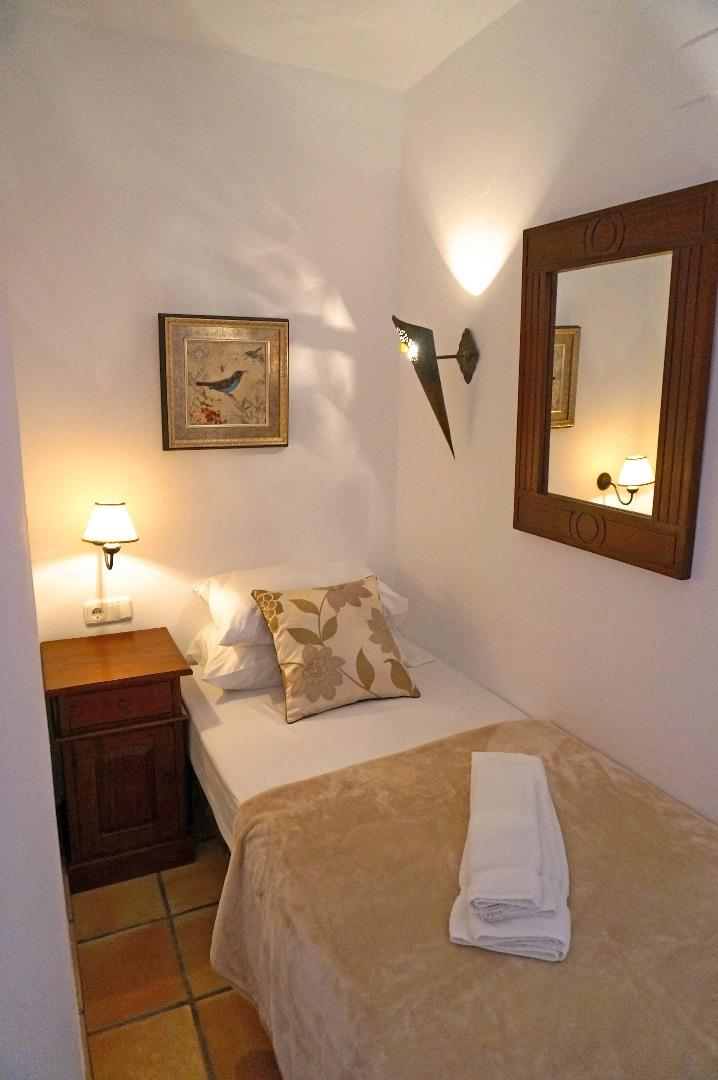 Extra bed, sleeps 3 in both Guest Bedrooms