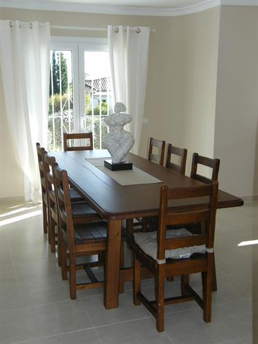 The Dinning Room with extra large table