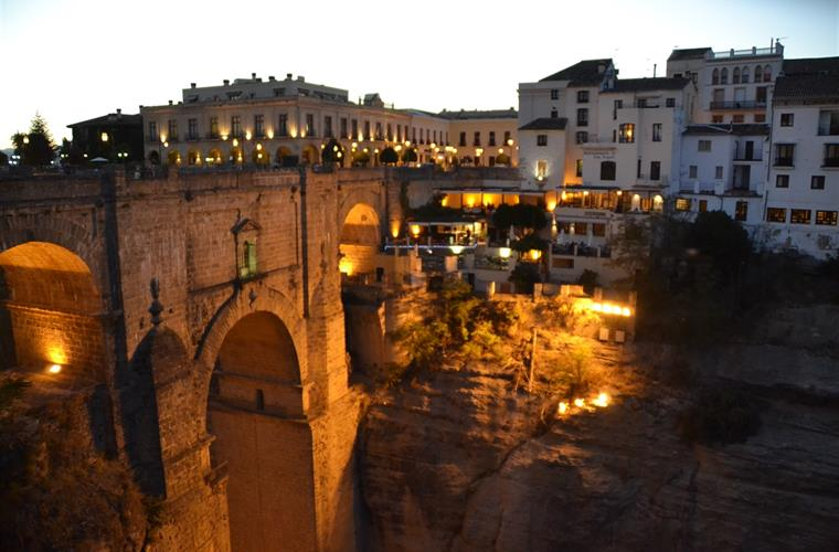 Ronda 1h30 by car