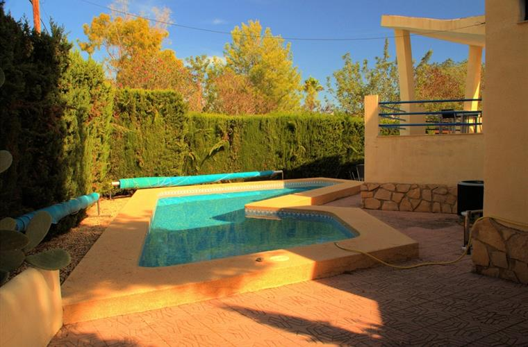 Heated swimming pool 85 m2.