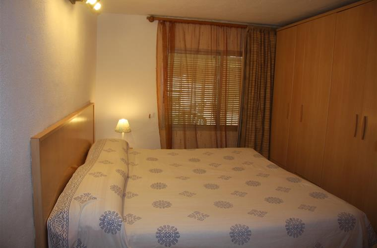 Bedroom D 1/2 It is a 9 metres bedroom, it has two beds...