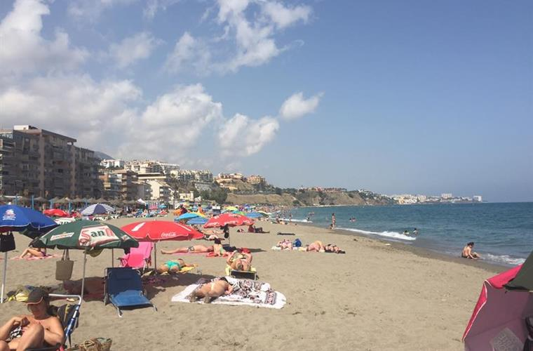 Carvajal beach 6 minutes walking distance from the apartment.