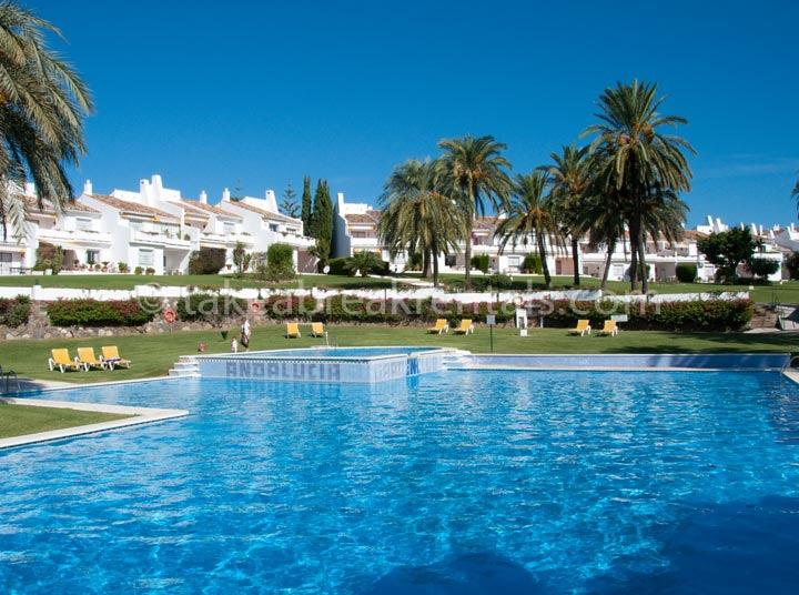 Pool Spanish apartment rentals Costa del Sol
