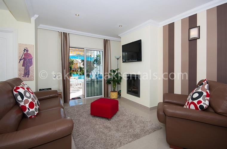 Living area Nueva Andalucia apartment rental Spain