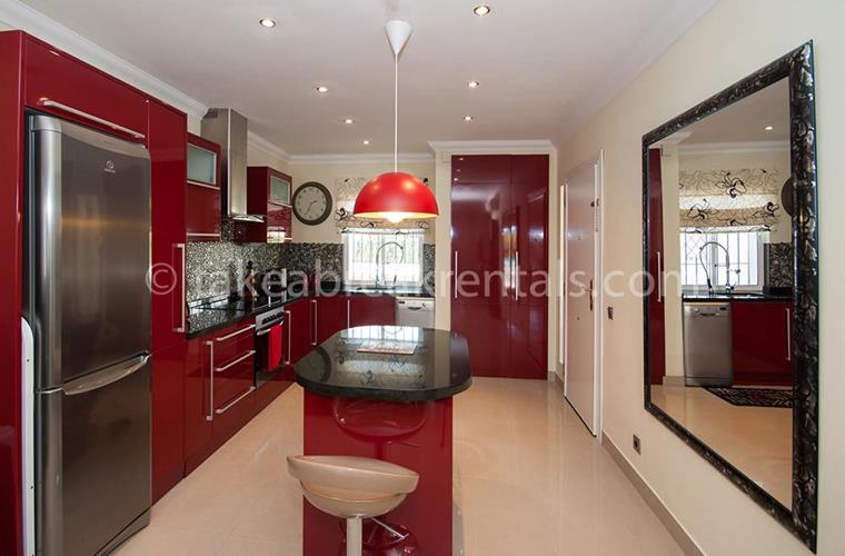 Kitchen Apartment to rent in Puerto Banus