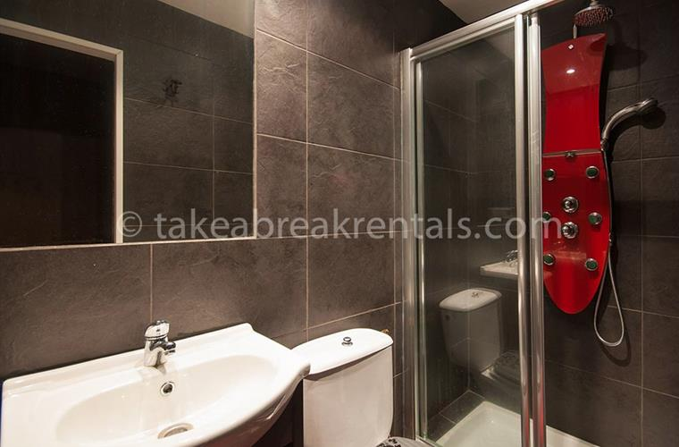 Bathroom rental apartments Nueva Andalucia