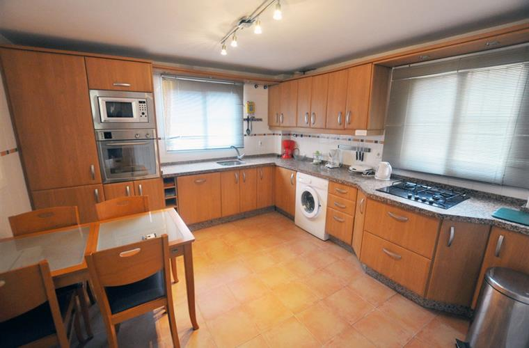 Fully equipped kitchen with all crockery, cutlery & utensils