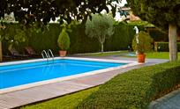 All year warm outside private pool with barbacue, garden furniture