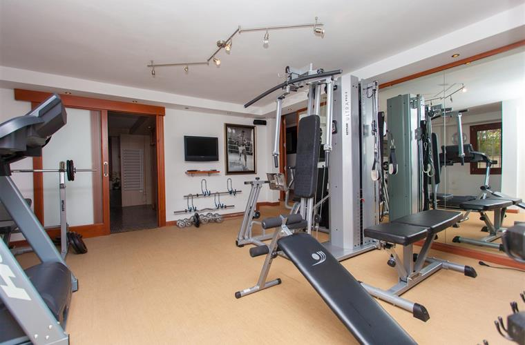 The private gym, work that body. If you like.