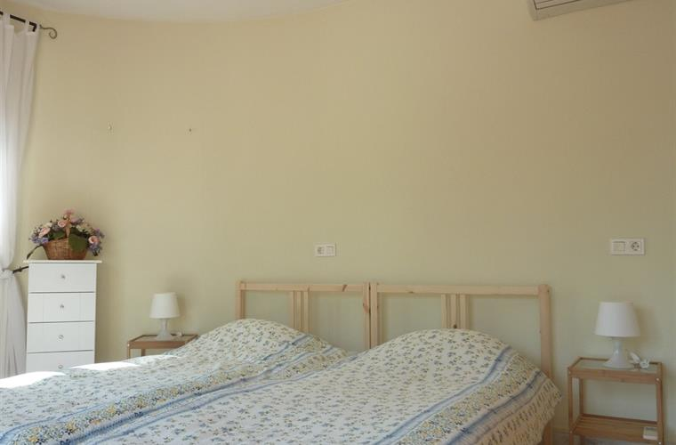 Second bedroom with 2 single beds and air condition