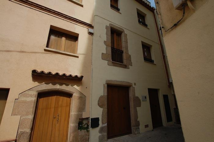 Facade of Casa Isabel from street