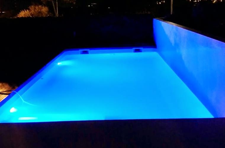 BLUE LED LIGHT POOL