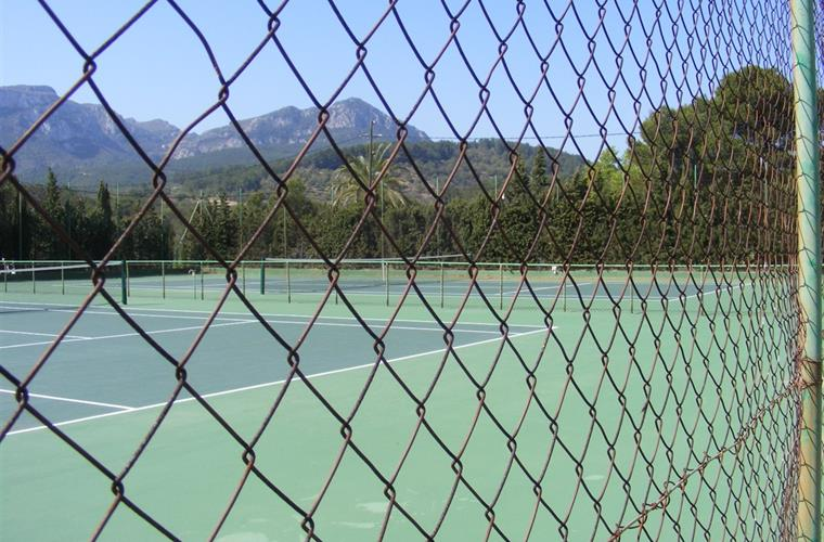 Tennis Courts on Planes del Rey