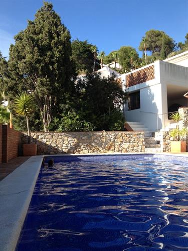 Private pool a few steps down the house. Unforgetable night swim