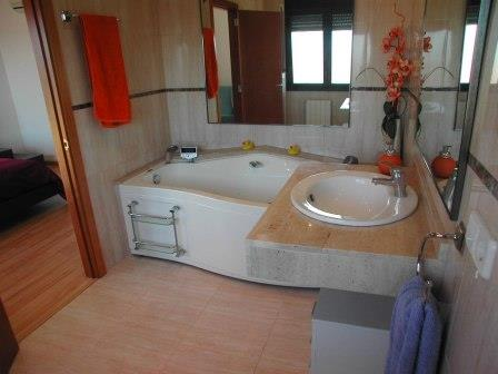 Bathroom with jacuzzi