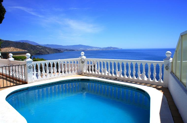 Villa Kimberly Swimming Pool With A View..!!