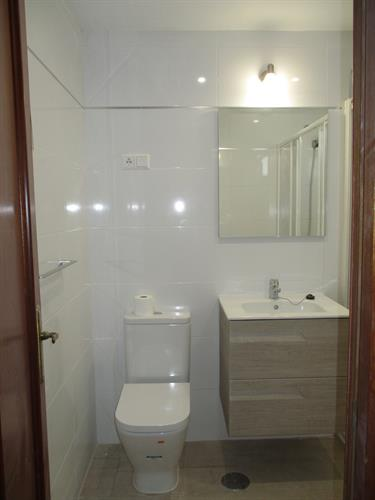 Main bathroom with large shower tray