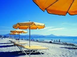 Enjoy all the sundrenched beaches of El Campello & San Juan!