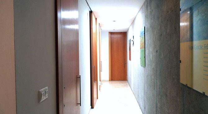 Corridor to 2 of the bedrooms
