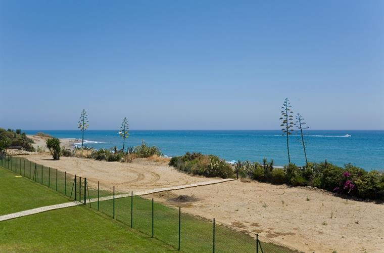 Apt 401 - View from the terrace and apartment of beach and sea