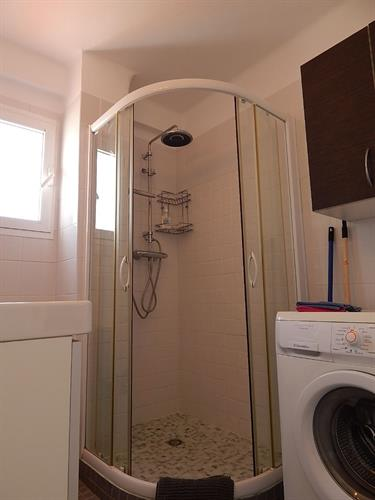 shower with under floor heating