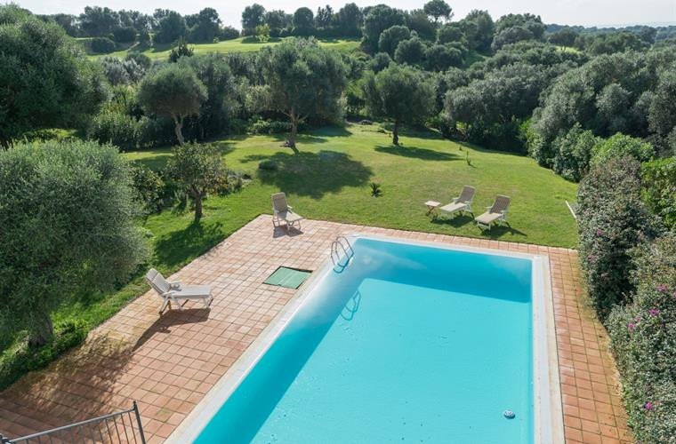 Pool and private garden Villa Capuchina