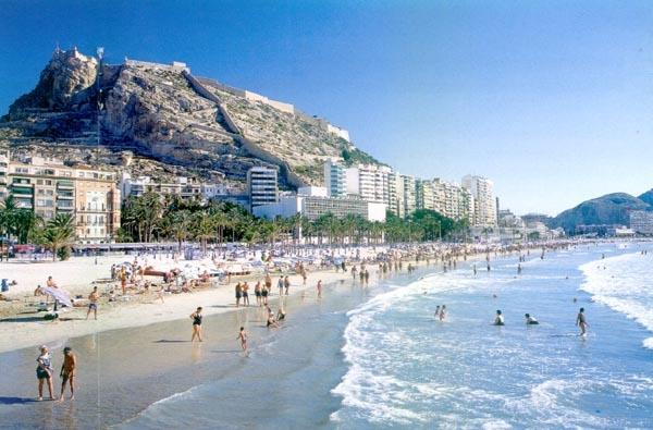 Alicante beach with Castle above
