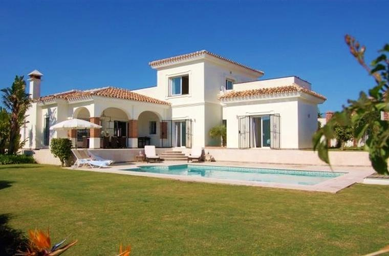 front of Villa with garden and private swimming pool