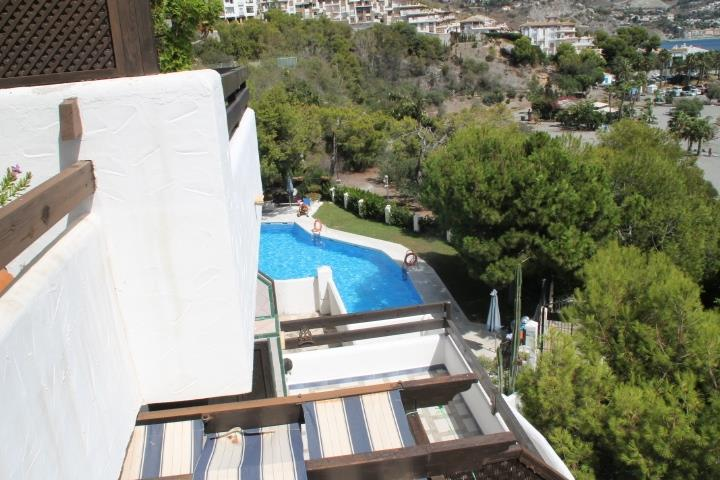 The swimmingpool - photo from balcony