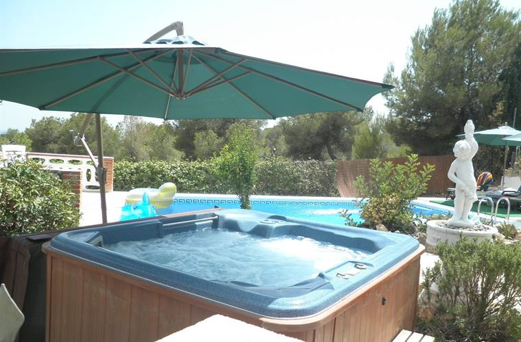 Spain Holiday Villa With Private Pool Jacuzzi And Play Room