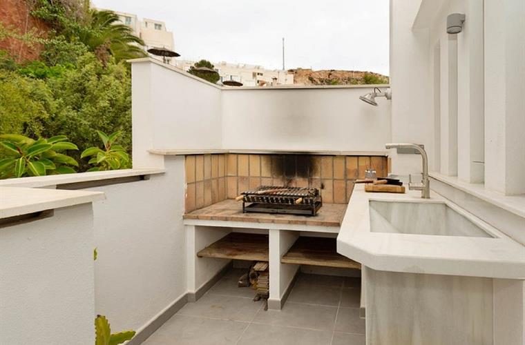 Barbecue in the roof terrace