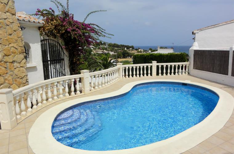 Swimming pool with sea view