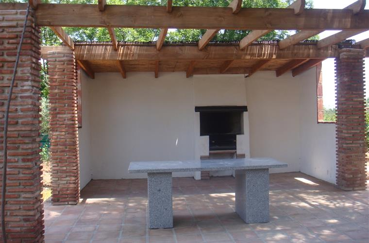 The BBQ terrace with fixed marble table